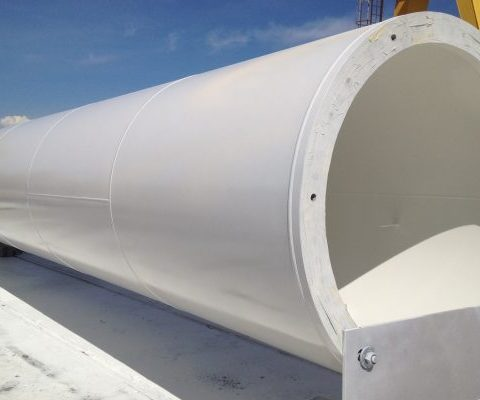 Sandblasting and painting of wind turbines